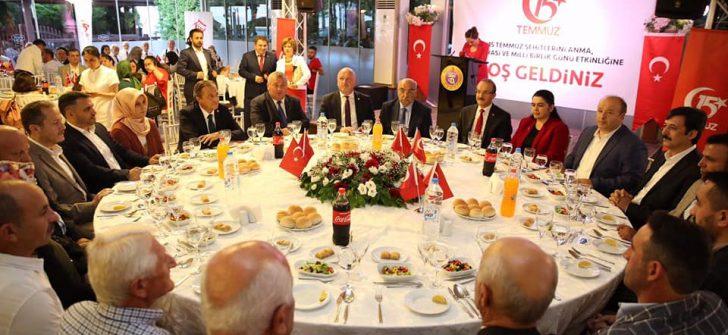 Vali Yavuz, Şehit ve Gazi Aileleri Onuruna Yemek Programı Düzenledi
