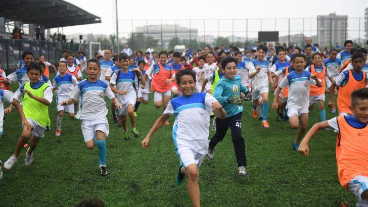 Başkan Tekintaş, Alt Yapıya Verilen Önemi Futbolun Geleceği Olarak Görüyoruz