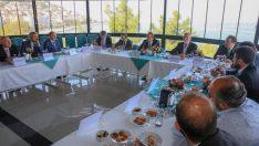 Vali Yavuz, Seçkinci Yaklaşımlardan Uzak Durmalıyız