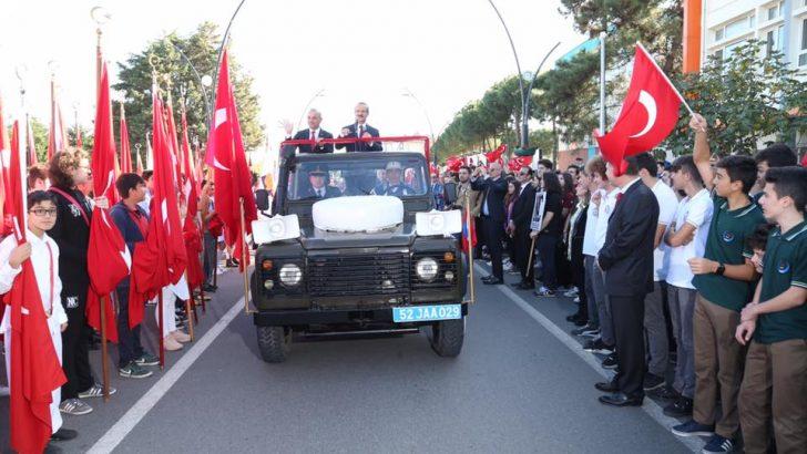 Başkan Tekintaş, Gelecek Nesillere Daha Gelişmiş ve Müreffeh Bir Türkiye Cumhuriyeti Bırakmaya Gayret Edeceğiz