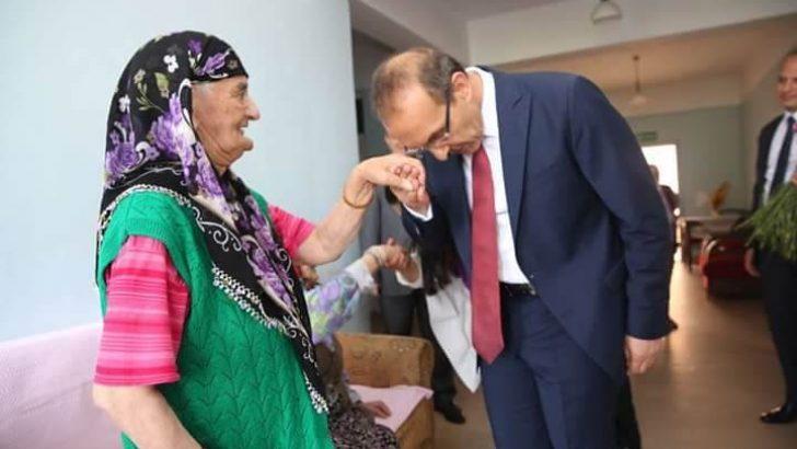 Valimiz Sayın Seddar YAVUZ'un Dünya Yaşlılar Günü Mesajı