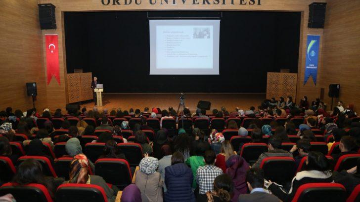 """ODÜ'de """"Çağdaş Öğretmen"""" Konferansı Gerçekleştirildi"""