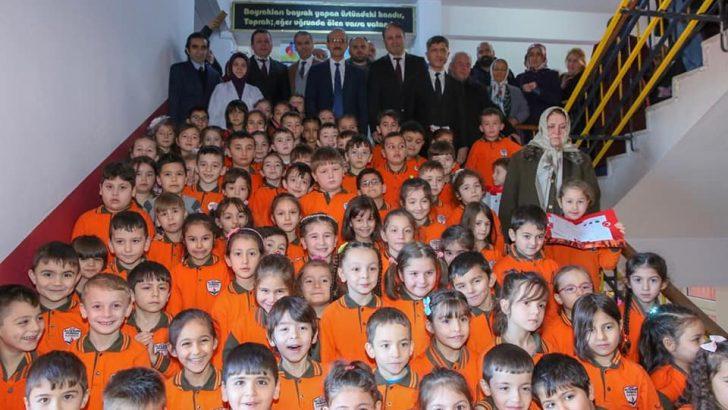 Vali Yavuz, Öğrencilerin Karne Heyecanına Ortak Oldu