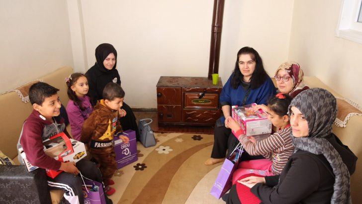 Bayan Yavuz, Sosyal Amaçlı Ziyaretlerini Sürdürüyor