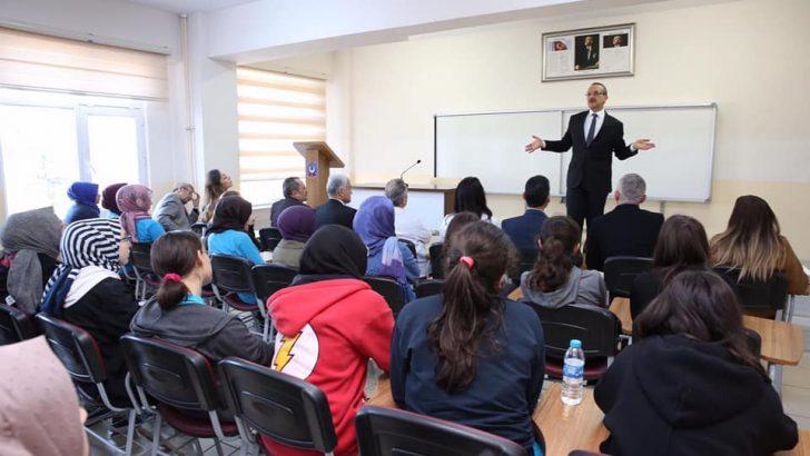 Vali Yavuz, Topluma Hizmet Edebilecek İyi İnsanlar Olun