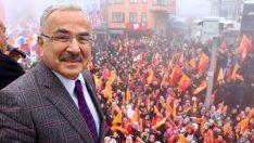 GÜRGENTEPE HİLMİ GÜLER'İ BAĞRINA BASTI.