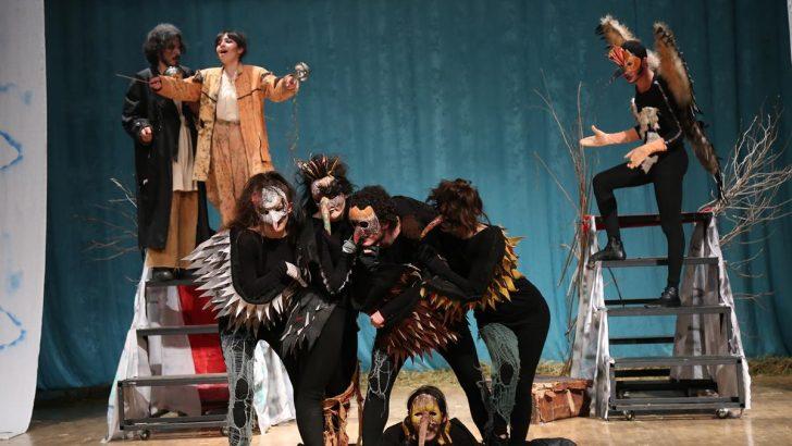 Dünya Tiyatro Günü'nde Kuşlar Oyunu Sahnelendi.