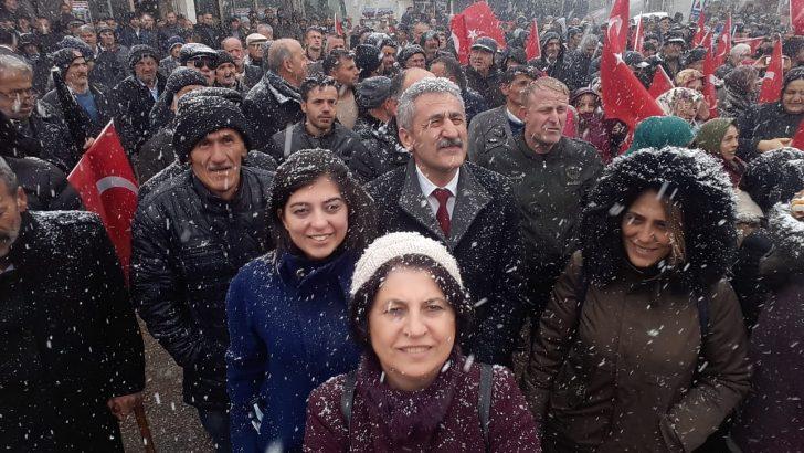 Adıgüzel'den Kar altında kitlesel miting