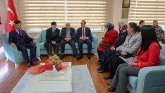 Vali Yavuz, Şehit Aileleri ve Gazi Derneklerini Ziyaret Etti