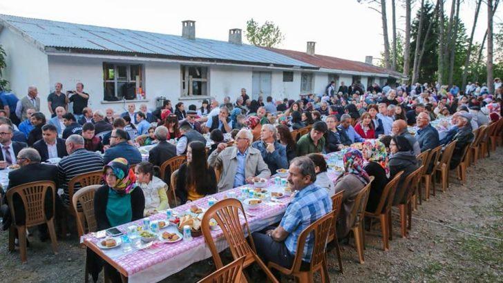 Vali Yavuz, Hafta sonu Mahallelerde İftar Programlarına Katıldı