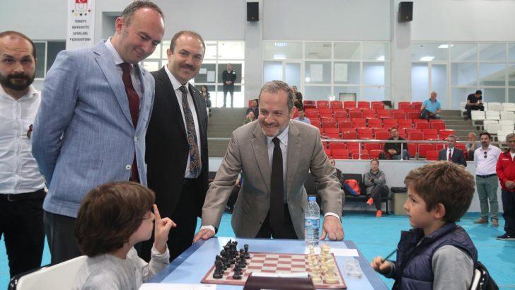 Gençlik ve Spor Bayramı Satranç Turnuvası ODÜ'de Başladı.