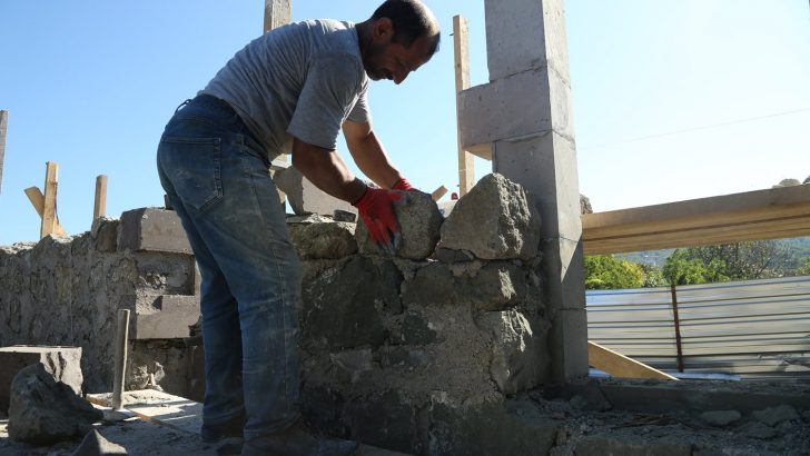 YASON'DAKİ TARİHİ DOKU GELECEĞE TAŞINIYOR