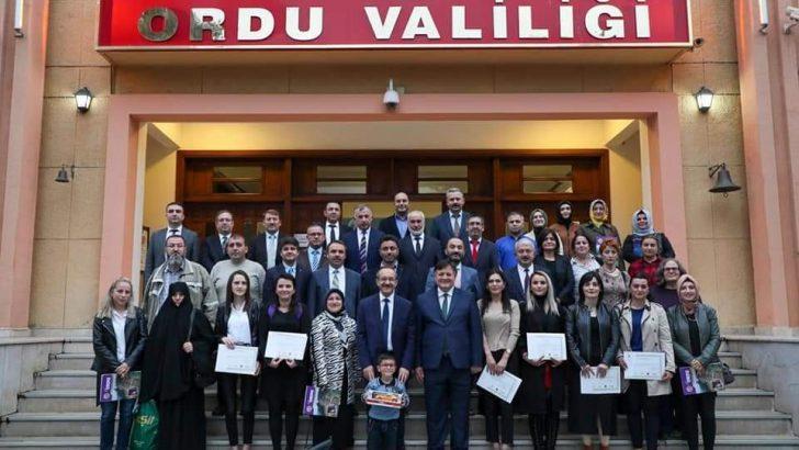Vali Yavuz, Ordu Turizmi Dilleniyor  Kursiyerlerine Sertifikalarını Verdi
