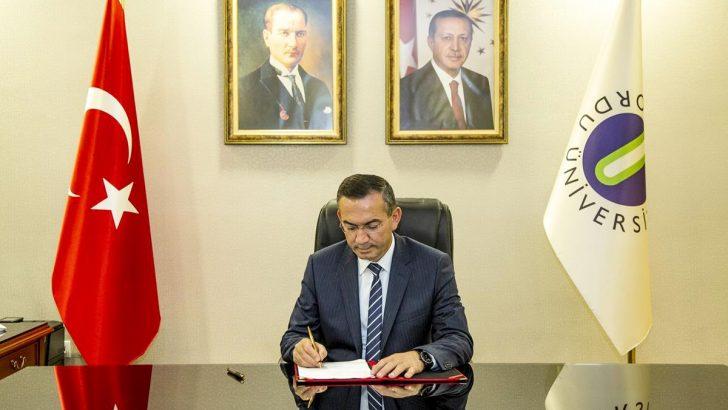 Rektör Prof. Dr. Ali Akdoğan'ın 29 Ekim Cumhuriyet Bayramı Kutlama Mesajı.