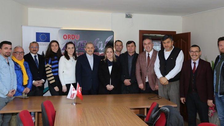 Başkan Servet Şahin, 19 Eylül Gazeteciler Cemiyetini ziyaret etti.