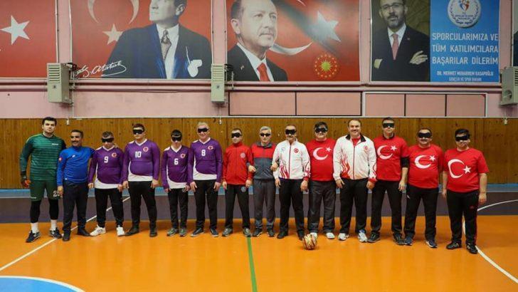 Vali Yavuz, Görme Engellilerle Futbol Oynadı