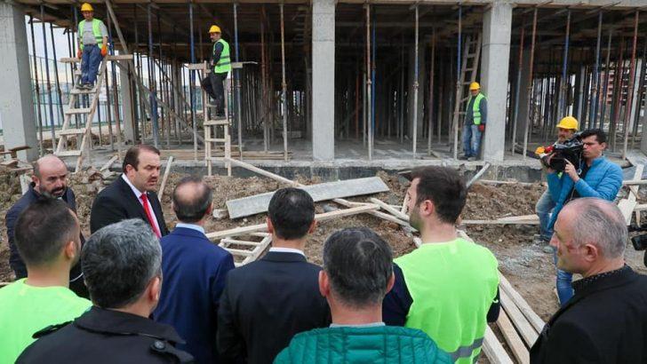 Vali Yavuz, Amatör Spor Kulüplerine Verdiği Sözü Yerine Getiriyor