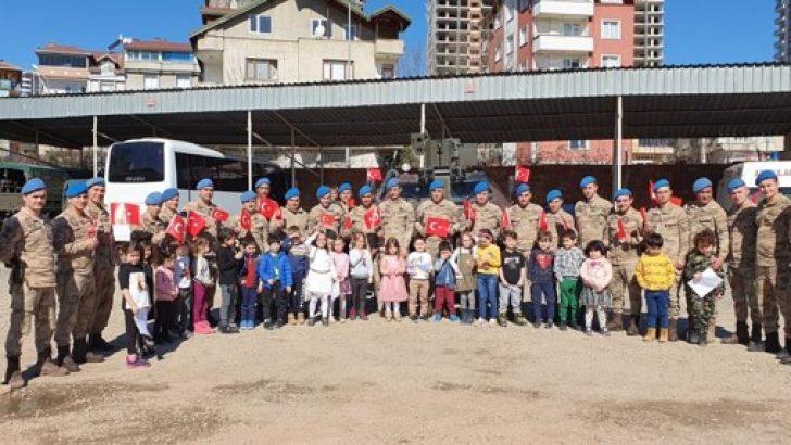 Öğrencilerden komando ziyareti!