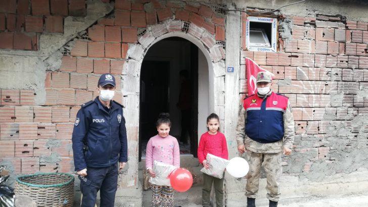 Vali Yavuz'dan Öğrencilere 23 Nisan Sürprizi