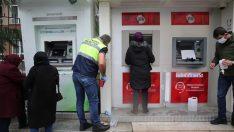 ALTINORDU BELEDİYESİ'NDEN ATM'LERE DEZENFEKTAN